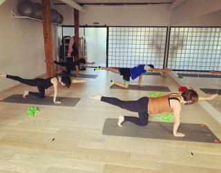 Atsaldeko Pilatesa. Atzekaldeko gihar katearen aktibazioaren bila, abdomeneko lana ahaztu gabe/pilates vespertino. Buscando la activación de la cadena posterior, sin olvidarse de la activación abdominal. #kore #korputzorekatailarra #pilates #stottpilates #hipopresivos  #hypopressiversf #caufriezconcept  #feldenkrais #totalfit #kstretch #yoga #hatayoga